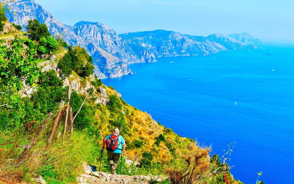 https://uwalk.ie/wp-content/uploads/2019/01/Amalfi-Coast-Walking-Tour-2.jpg