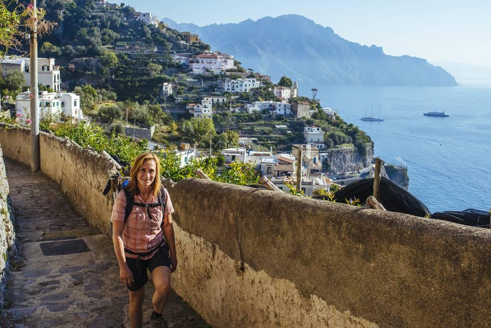 https://uwalk.ie/wp-content/uploads/2019/01/Amalfi-Coast-Walking-Tour-6.jpg