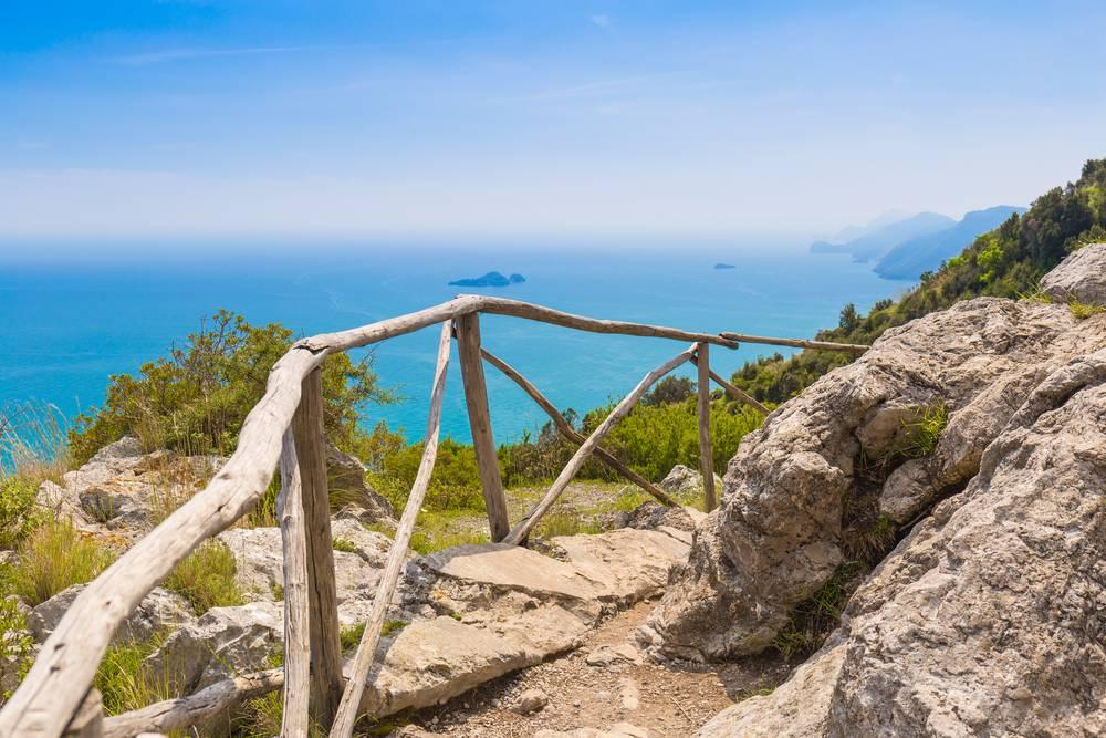 https://uwalk.ie/wp-content/uploads/2019/01/Amalfi-Coast-Walking-Tour-8.jpg