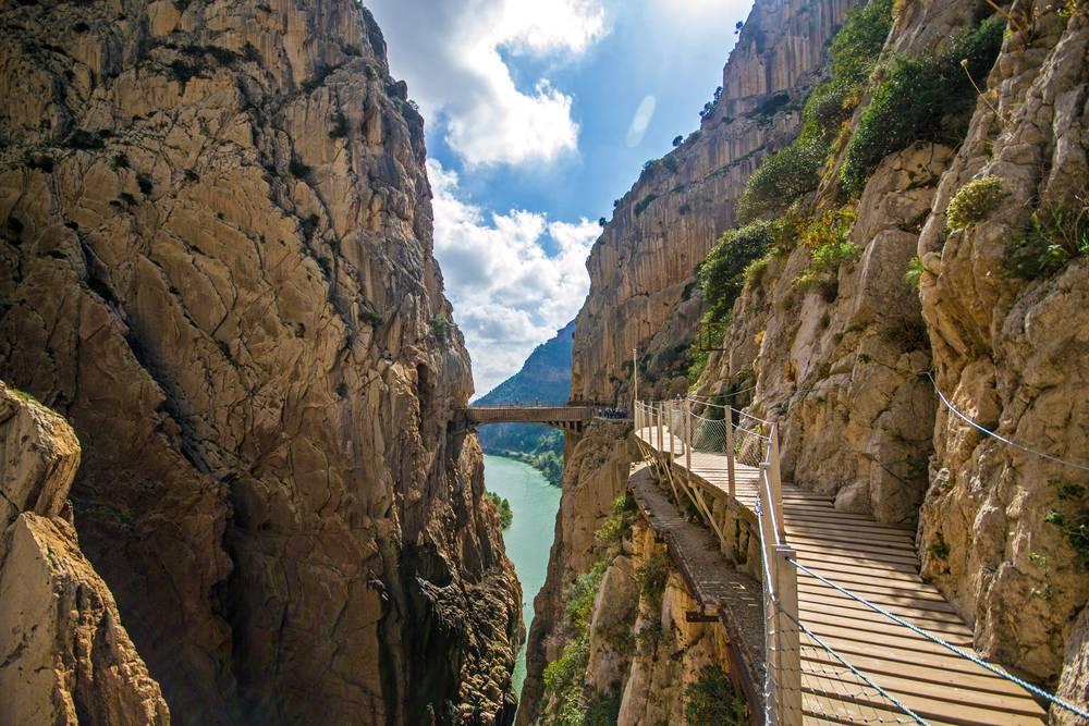 https://uwalk.ie/wp-content/uploads/2019/01/Andalucia-Walking-Tour-Caminito-Del-Rey.jpg