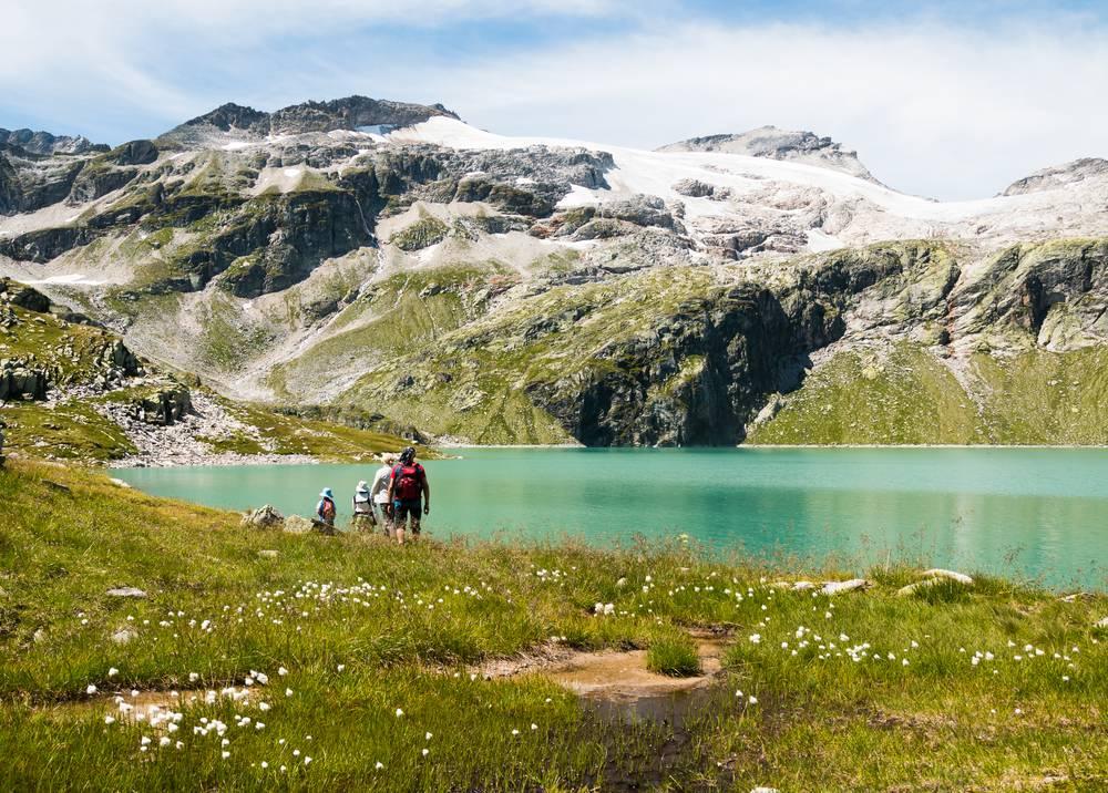 https://uwalk.ie/wp-content/uploads/2019/01/Mayrhofen-Austria-Walking-Tour-4.jpg