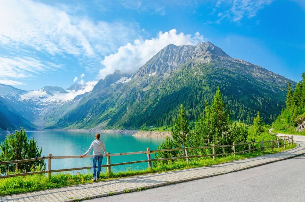 https://uwalk.ie/wp-content/uploads/2019/01/Mayrhofen-Austria-Walking-Tour-6.jpg
