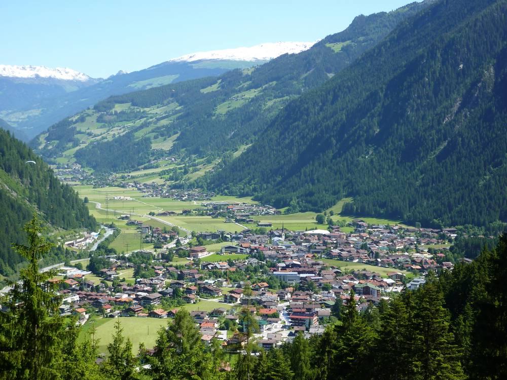 https://uwalk.ie/wp-content/uploads/2019/01/Mayrhofen-Austria-Walking-Tour-7.jpg