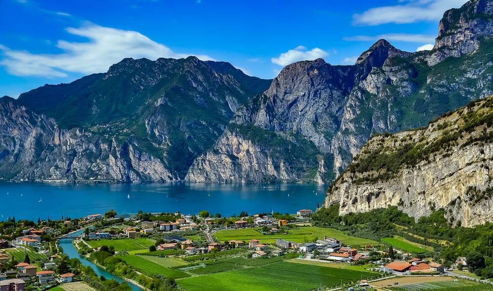 https://uwalk.ie/wp-content/uploads/2019/01/Meran-to-Lake-Garda-Hike-6.jpg