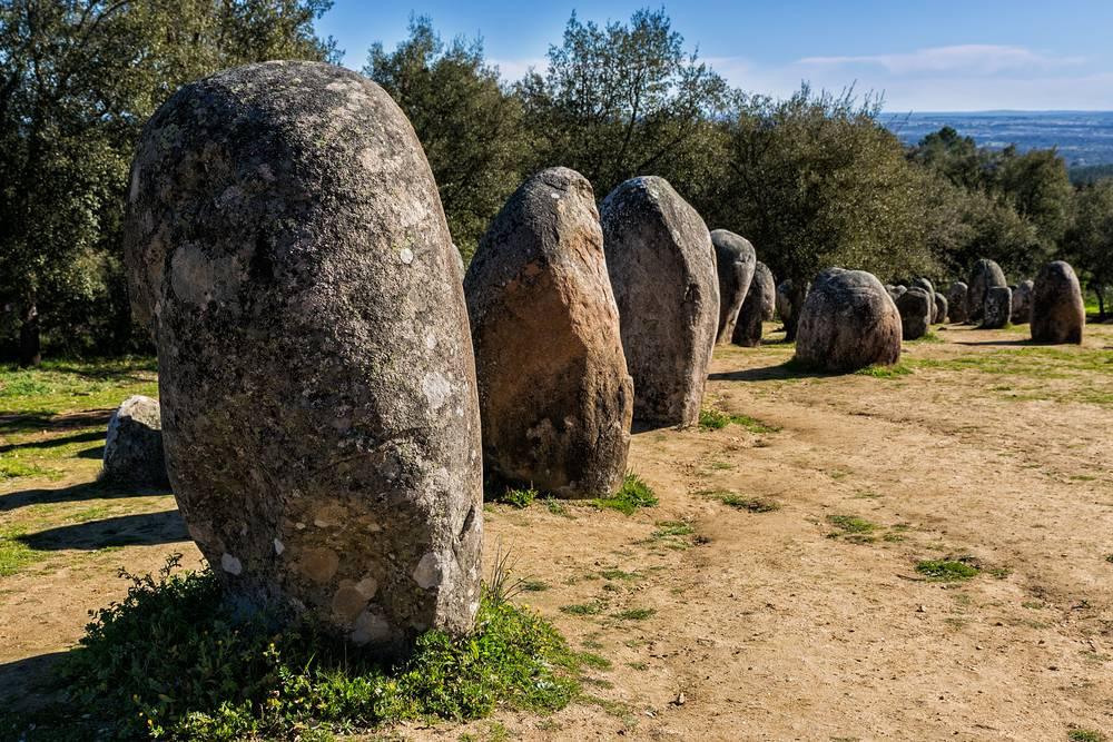 https://uwalk.ie/wp-content/uploads/2019/01/Portugal-Walking-Tour-Paradise-Megalithic-Monuments.jpg