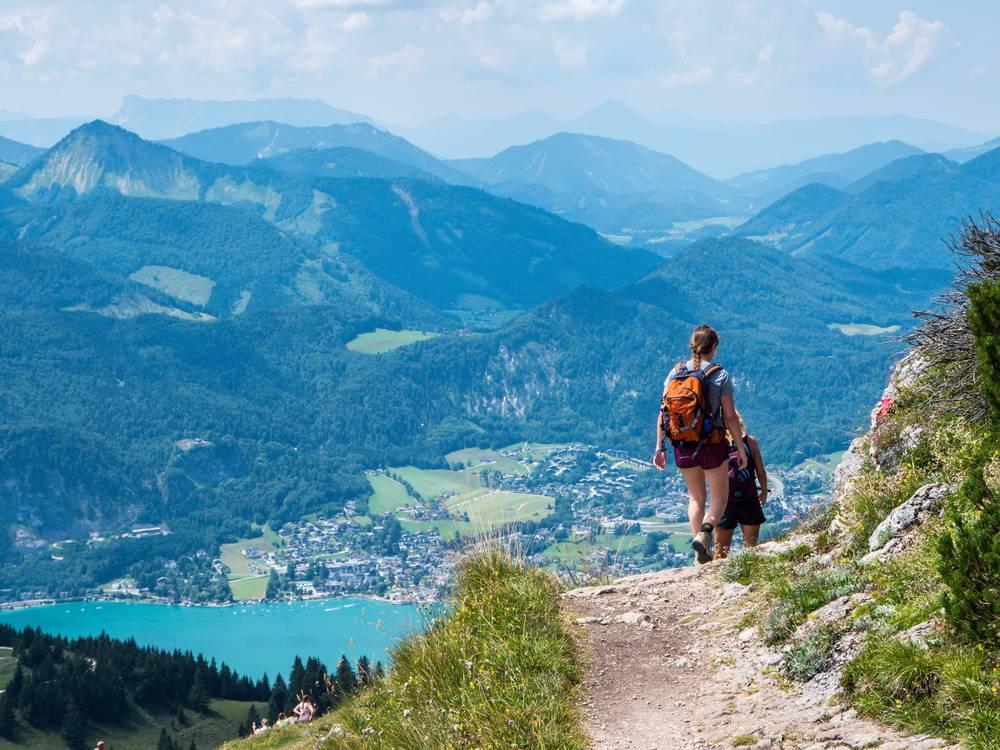 https://uwalk.ie/wp-content/uploads/2019/01/Salzburg-Pilgrim-Trail-Salzkammergut.jpg