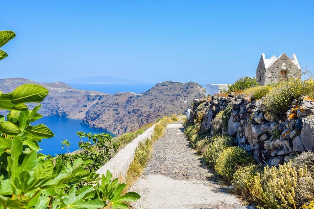 https://uwalk.ie/wp-content/uploads/2019/01/Santorini-Walking-Tour-10.jpg