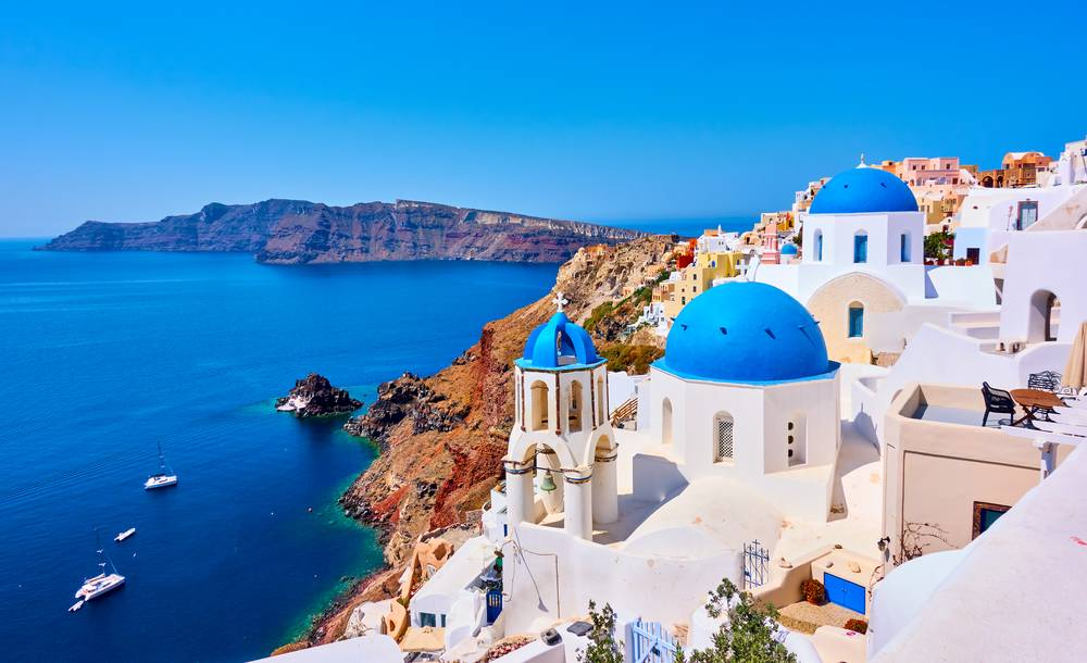https://uwalk.ie/wp-content/uploads/2019/01/Santorini-Walking-Tour-2.jpg