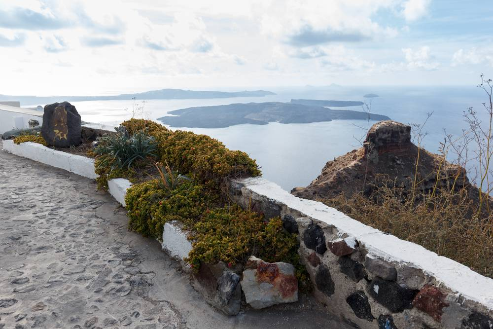 https://uwalk.ie/wp-content/uploads/2019/01/Santorini-Walking-Tour-5.jpg