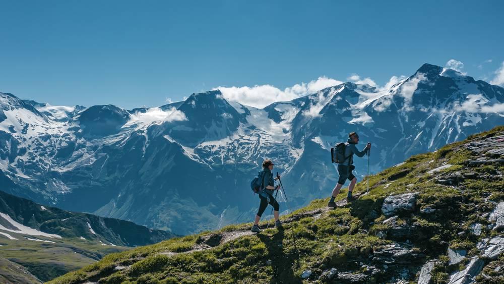 https://uwalk.ie/wp-content/uploads/2019/01/St-Johann-Austria-Walking-Tour-1.jpg