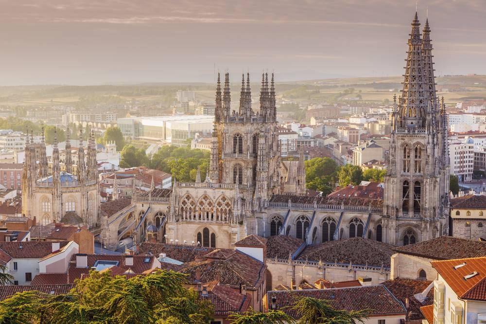 https://uwalk.ie/wp-content/uploads/2019/11/Burgos-French-Way-Walking-Tour-Stage-2.jpg