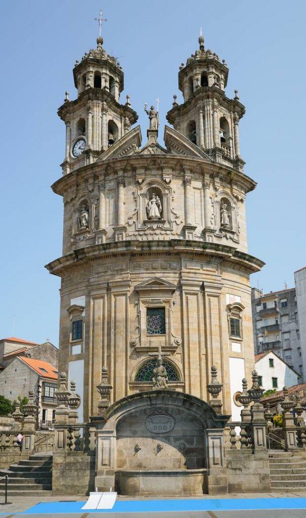 https://uwalk.ie/wp-content/uploads/2019/11/Capela-da-Virxe-Peregrina-Portuguese-Way-Walking-Tour.jpg