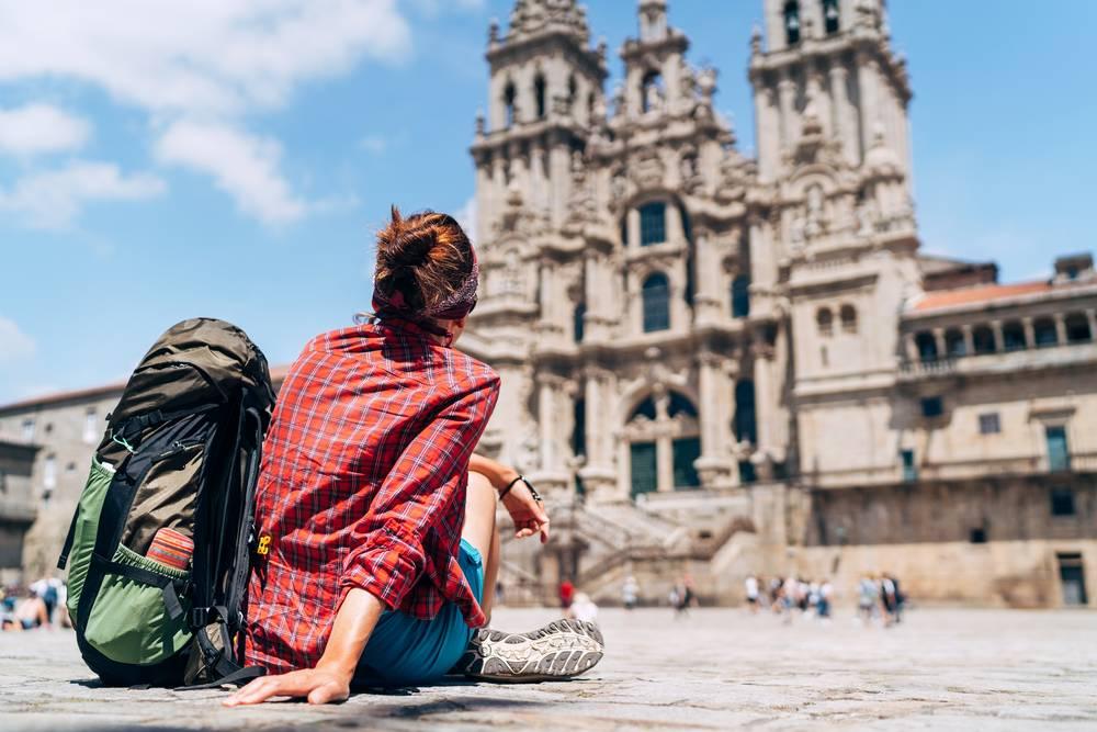https://uwalk.ie/wp-content/uploads/2019/11/Santiago-de-Compostela-1-Portuguese-Way-Walking-Tour.jpg
