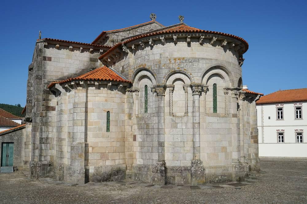 https://uwalk.ie/wp-content/uploads/2019/11/Sao-Pedro-de-Rates-Portuguese-Way-Walking-Tour.jpg
